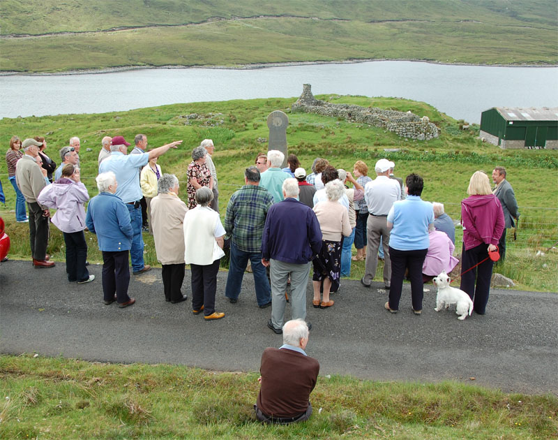 Ken  Roddy addresses the group at Seaforth Head
