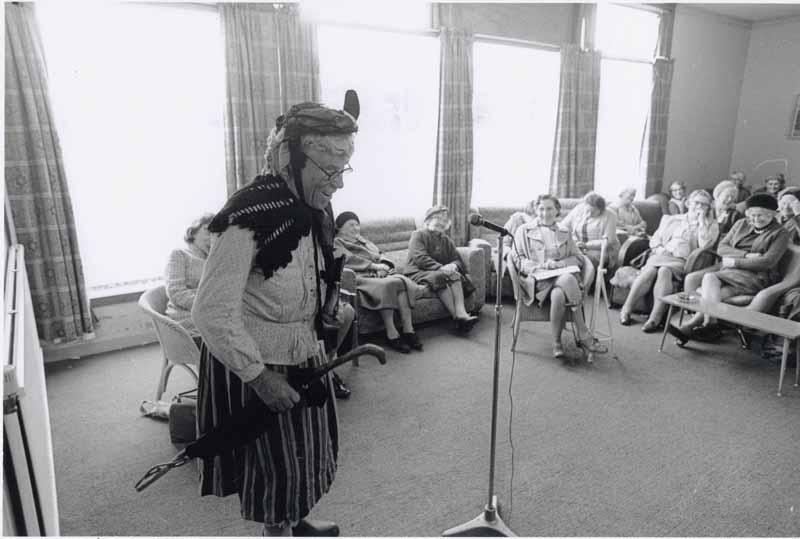 Cailleach an Deacon entertaining at the Lewis Retirement Centre