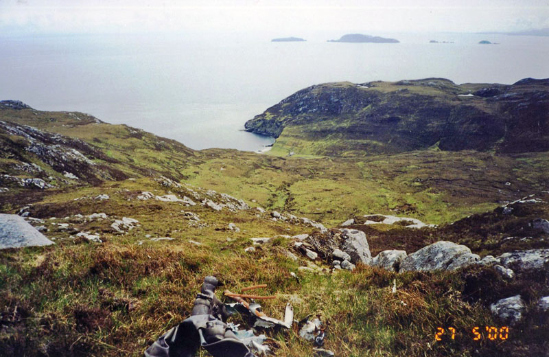 FH375 - looking from site to Mulhagery & Shiant Isles